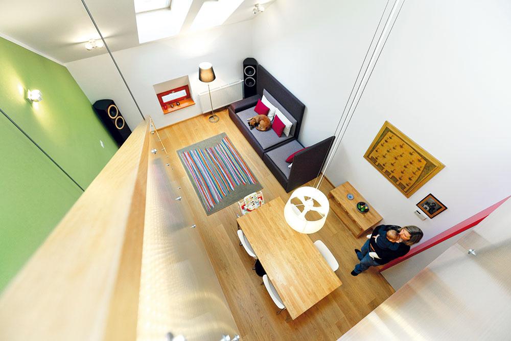 Bývate v miniatúrnom byte? Tieto tipy vám ho pomôžu zväčšiť