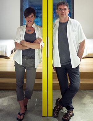 Architektka Natalie Dionne s kolegom Martinom Laneuvilleom navrhli Dom T s ohľadom na moderné ekologické požiadavky. Stal sa tak pohodlným miestom na odpočinok v letnom i zimnom období.