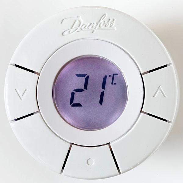Termostatické hlavice living by Danfoss prinášajú absolútnu kontrolu nad teplotou v miestnostiach a maximálne pohodlie pri regulovaní vykurovania. Nastavujú sa jednoducho a rýchlo. Potom na ne možno pokojne zabudnúť.