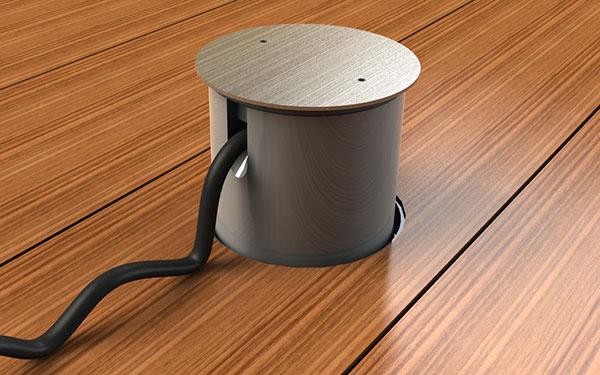 Pri používaní je možné vonkajšiu podlahovú zásuvku dočasne opatriť násadcom.
