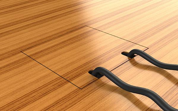 """Podlahová elektrická zásuvka, ktorá sa """"stratí"""" v každom interiéri."""