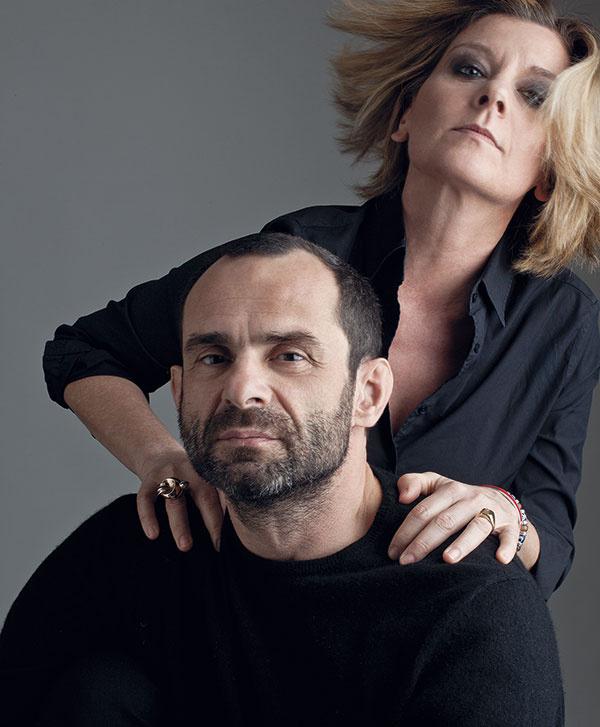 Ludovica Serafini a Roberto Palomba študovali architektúru na univerzite vRíme. V roku 1996 založili spoločnosť Serafini Associati (ps+a) sídliacu vMiláne. Na projektoch pracujú ako rovnocenní partneri, čo do každého výsledku, či už ide ostavbu, alebo produkt, vnáša rovnováhu dizajnu anázorov. Stoja za niekoľkými kolekciami pre Laufen.