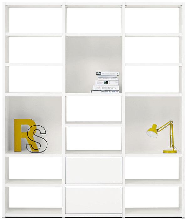 Knižnica Lecco, dostupná vrôznych farbách, 229,5 × 195,5 × 41 cm, 1 943 €, BoConcept, Light Park