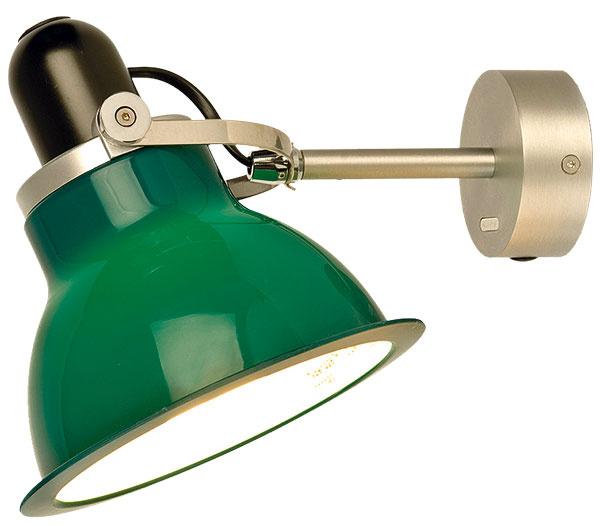 Nástenné svietidlo Anglepoise Type 1228, polykarbonátové tienidlo skovovými prvkami, priemer 17 cm, 115,21 €, www.nest.co.uk
