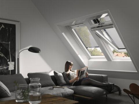 Tienenie je veľmi účinnou ochranou pred horúcim slnko, avšak  slnečné lúče treba zachytiť ešte pred dopadom na sklenenú tabuľu okna.