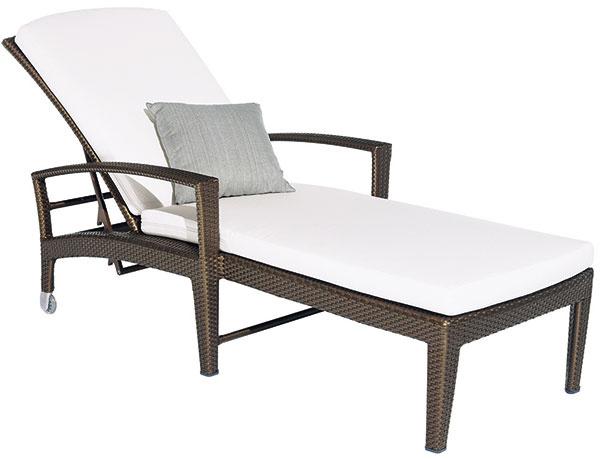 Ležadlo Panama od značky DEDON, dizajn Richard Frinier, 206 × 78 × 34 cm, poplastovaný hliník, DEDON vlákno, 1 395 €, Zeno