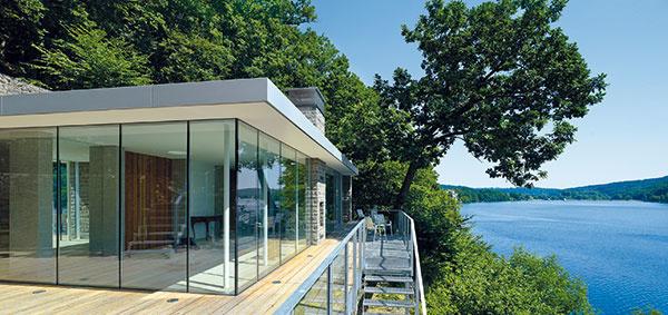 Chcete mať dom s oknami, aké sa len tak nevidia? Možnosti sú naozaj zaujímavé