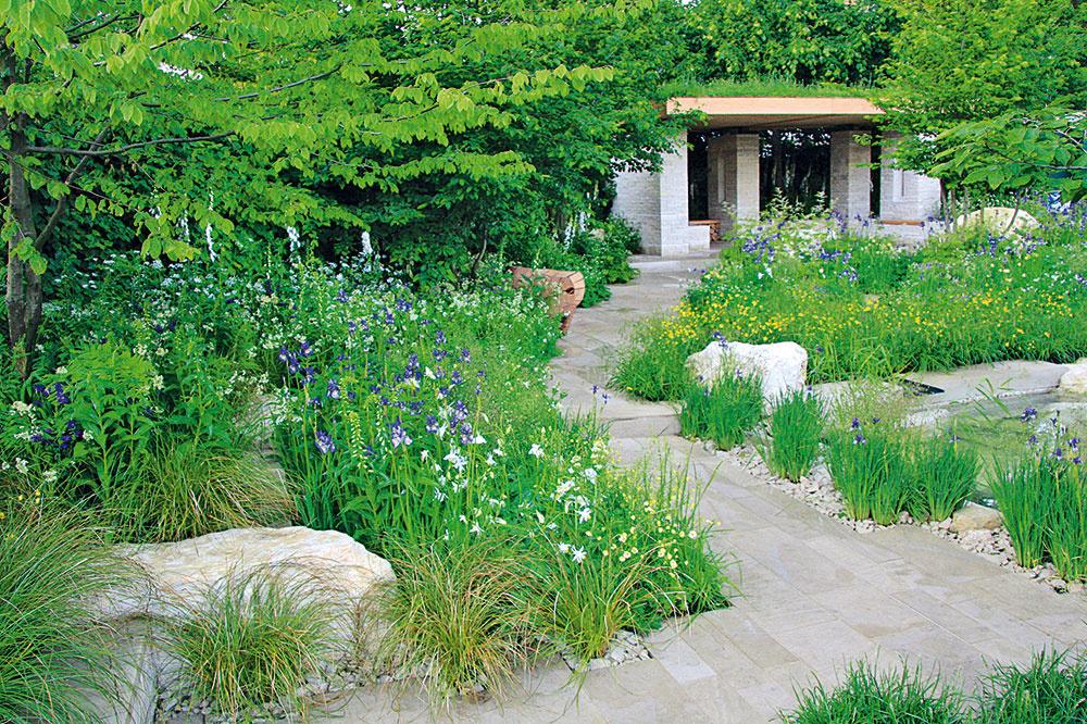 Vprípade moderných záhrad je precízny výber rastlín, ktoré pútajú svojím habitusom alistami vrôznych odtieňoch zelenej, oveľa dôležitejší ako budovanie pestrofarebných ana starostlivosť náročných záhonov. Popri zelenej sa tu uplatní biela, strieborná, fialová či modrá.