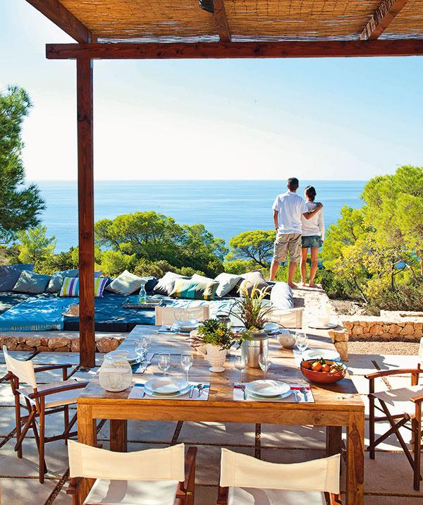 Okolitá príroda apokoj ostrova Formentera vkombinácii snenúteným komfortom, ktorý dom poskytuje, sú priam prototypom miesta na dokonalý oddych.