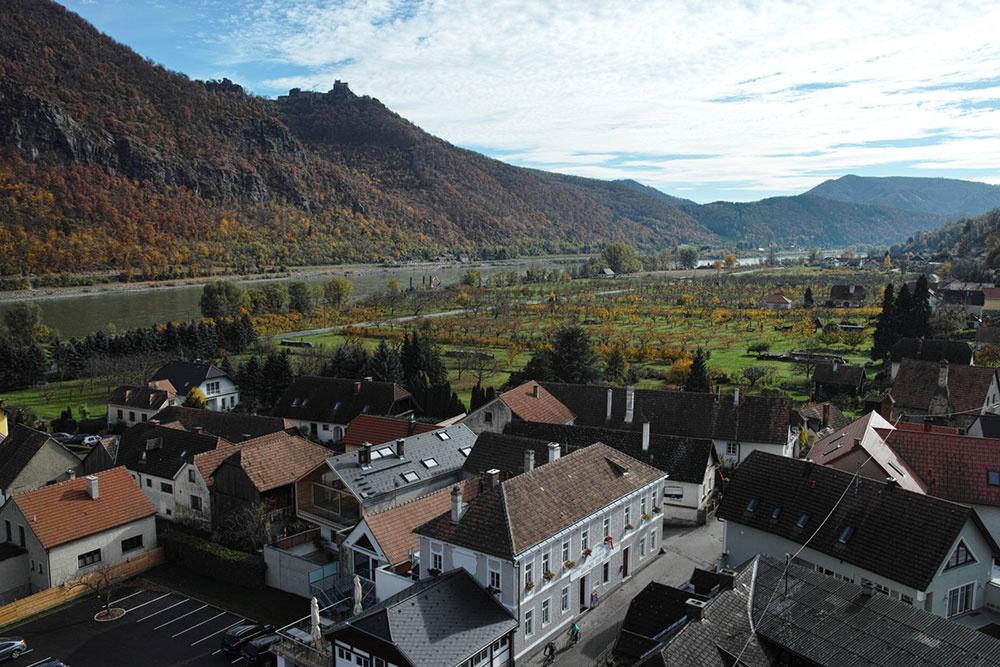 """Moderný """"dom na dome"""" s romantickým výhľadom na Dunaj"""