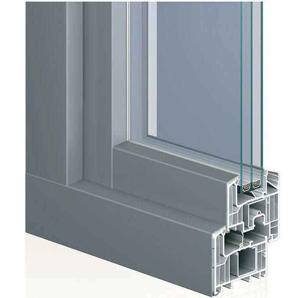 Nové hliníkové opláštenie profilov Eforte poskytuje dokonalý vzhľad hliníka pri zachovaní všetkých predností plastového okna. Ďalšou výhodou sú prakticky neobmedzené farebné varianty. Tohtoročnou novinkou je Eforte s predsadeným krídlom, ktoré vďaka svojej väčšej šírke umožňuje osadenie dvojsklom aj trojsklom so šírkou od 24 až do 56 mm. Krídlo v novom hranatom dizajne navyše pôsobí veľmi esteticky a zaujímavo.