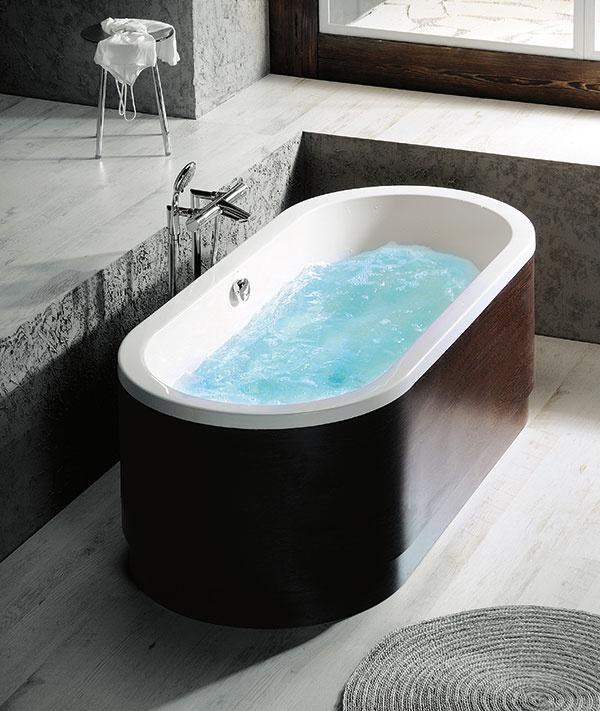 Inštalovaním hydromasážnej vane zmeníte kúpeľňu na vlastné domáce wellness.