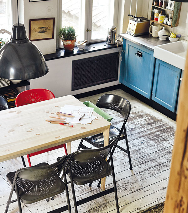 Skladacia stolička Frode, v rôznych farbách, do akéhokoľvek priestoru, oceľ, 55 × 40 × 80 cm, 19,99 €/1 ks, IKEA