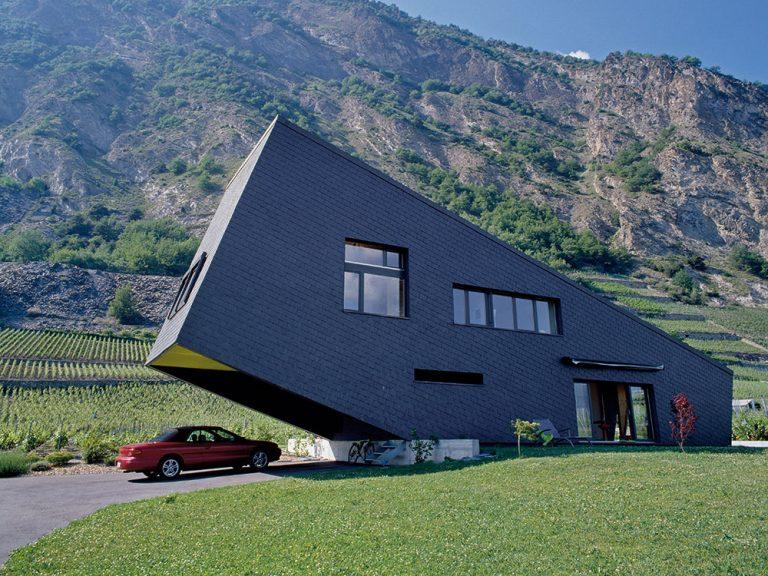 Prístrešok alebo garáž? Výhody a nevýhody oboch možností