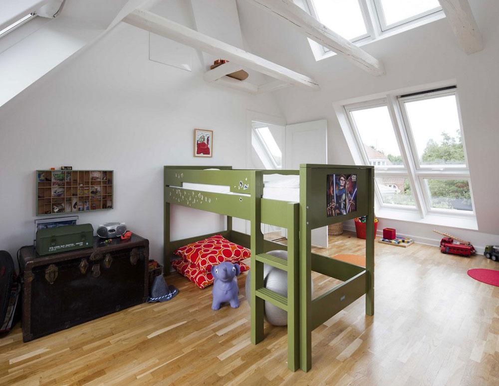 V detskej izbe kvarteto strešných okenných prvkov na oboch stranách strechy dopĺňajú dve strešné okná umiestnené nad hlavou smerom na sever. Interiér je nádherne presvetlený s dostatkom čerstvého vzduchu.