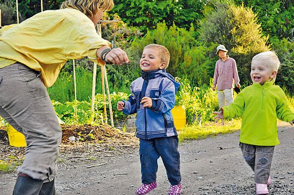 Kúpili starý ovocný sad pod Malými Karpatmi a začínajú žiť odznova