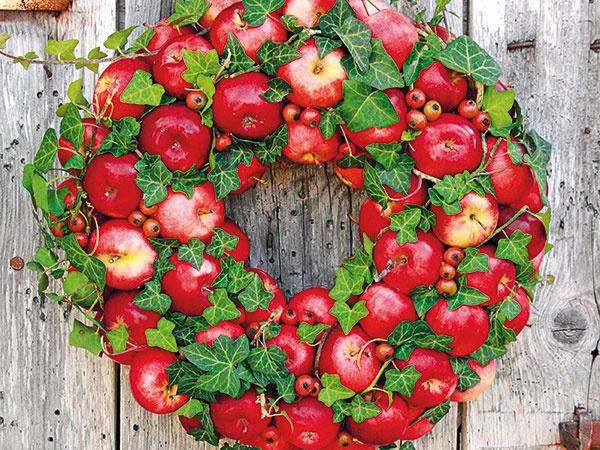 Originálny veniec z jabĺčok na spríjemnenie jesene