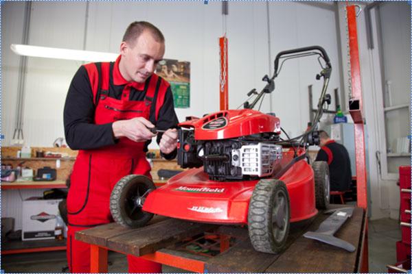 Vyčistenie stroja a jeho jednotlivých súčastí  – to je základ údržby. Po ňom nasledujú ďalšie úkony, ktoré postupne overia všetky jeho funkcie.