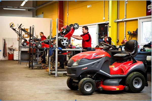 Posezónna prehliadka zadarmo, údržba stroja za polovinu ceny a náhradné dielce a motorové oleje až o 30 % lacnejšie. Teraz vo všetkých servisných strediskách spoločnosti Mountfield.