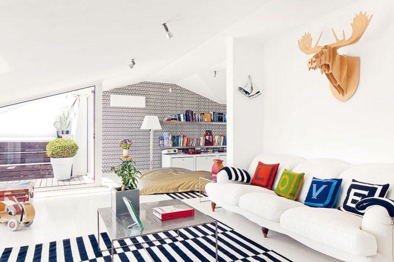Rodičia zariadili svojim dcéram na poschodí takmer kompletný detský byt