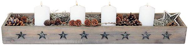 Drevený box Chic Antique Stars, neupravené drevo svyrezávanými hviezdami, vhodný na dekorovanie parapetu, 80 × 17 × 8,5 cm, 32,19 €, www.bellarose.sk