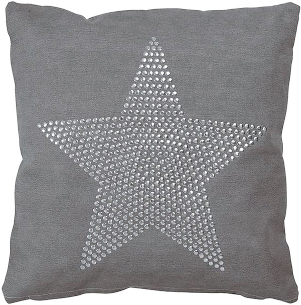 Vankúš Star, teplá sivá farba so striebornou aplikáciou, 40 × 40 cm, 39,95 €, www.designpropaganda.com