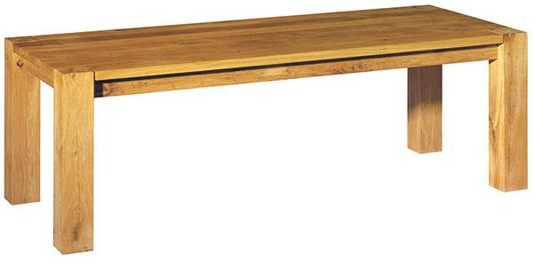 Ikonický drevený stôl Bigfoot od nemeckej značky e15 je zhotovený zmasívneho dreva. Ako príklad stolárskeho majstrovstva sa stal nábytkárskym vzorom pre ostatných výrobcov. Od 3 870 €, E15