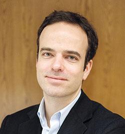 Philipp Mainzer (45) nemecký architekt, dizajnér a zakladateľ nábytkárskej značky e15