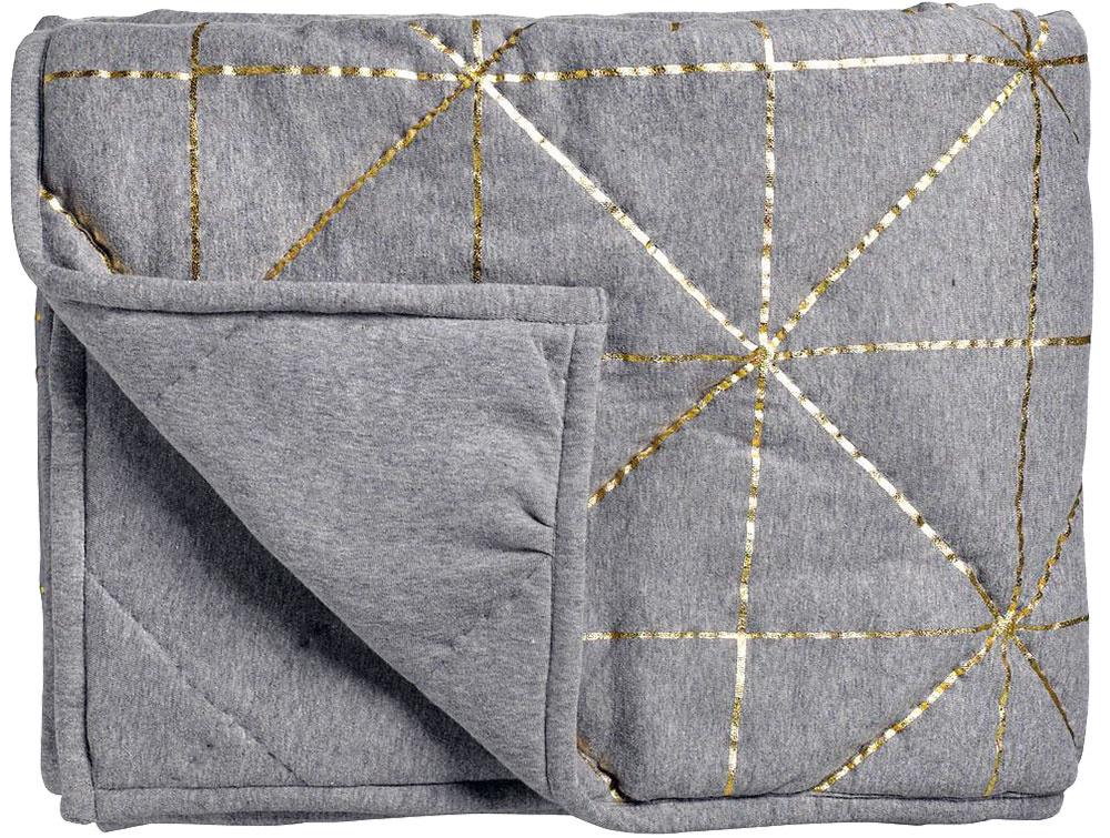 Prikrývka Gold Bloomingville, zlaté prešívanie, 100 % bavlna, 130 × 170 cm, 165,73 €, www.nordicday.sk