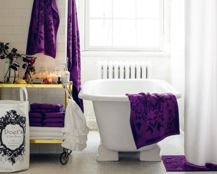 Vintage kúpeľne si nachádzajú miesto v našich domácnostiach