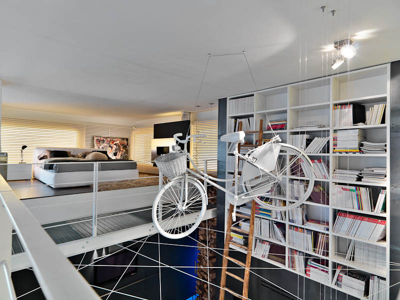 Riešte bývanie dvojúrovňovo a zaveste zo stropu bicykel