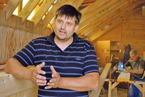 """""""Vôňu adotyk dreva nenahradí žiadny umelý materiál"""", hovorí Richard Bielik"""