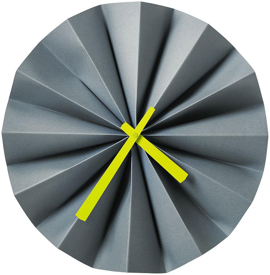 Hodiny Origami, priemer 35 cm, 59 €, BoConcept, Light Park
