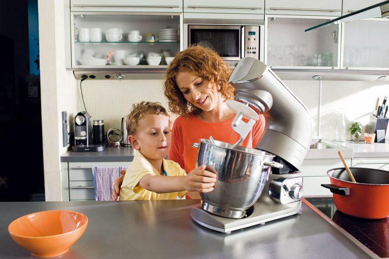 Ako obstáli v našom teste pákové kuchynské roboty