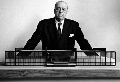 Ludwig Mies van der Rohe (1906 – 1991)