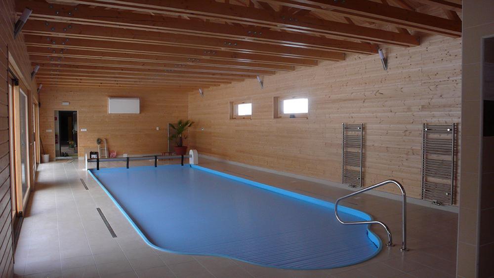 Krytý bazén pri rodinnom dome, MPA drevodom s.r.o.