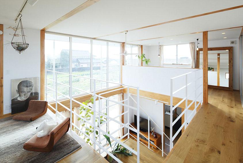 Sedenie má k japonským tradíciám ešte o niečo bližšie, ako to o poschodie nižšie.