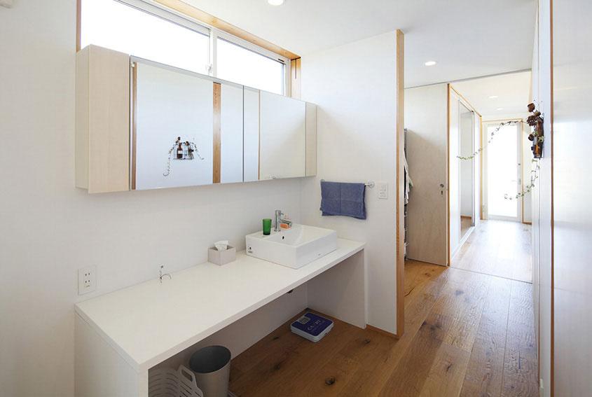 Kúpeľňa už patrí 21. storočiu, ale je zdržanlivá…