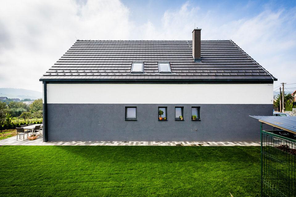 Sen o presvetlenom dome s jednoduchými líniami si mladý pár zrealizoval pri Prešove