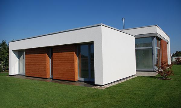Nízkoenergetický rodinný dom v rakúskom Kittsee vyniká prehľadným pôdorysom a kvalitou použitých stavebných materiálov.