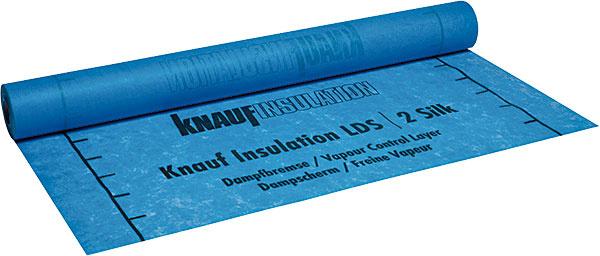 Parozábrana Knauf Insulation LDS 2 Silk umožňuje vytvárať vzduchotesné, difúzne otvorené konštrukcie. Na spodnej strane má vrstvu, vďaka ktorej priľne knehobľovaným dreveným prvkom.