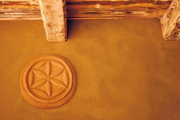 Prečo by sme mali stavať z hliny?