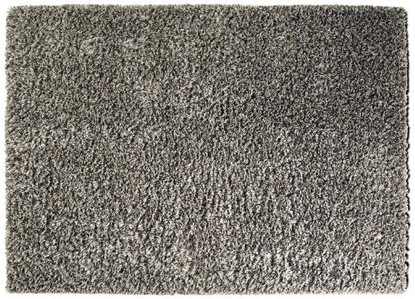 Koberec Cabana, dlhý vlas, 140 × 200 cm, 520 €, BoConcept, Light Park 6 Poťah na vankúš Isunda, 65 × 40, 14,99 €, IKEA