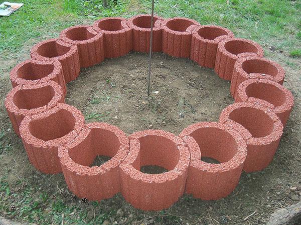 Takto sme osadili prvý rad kruhu.