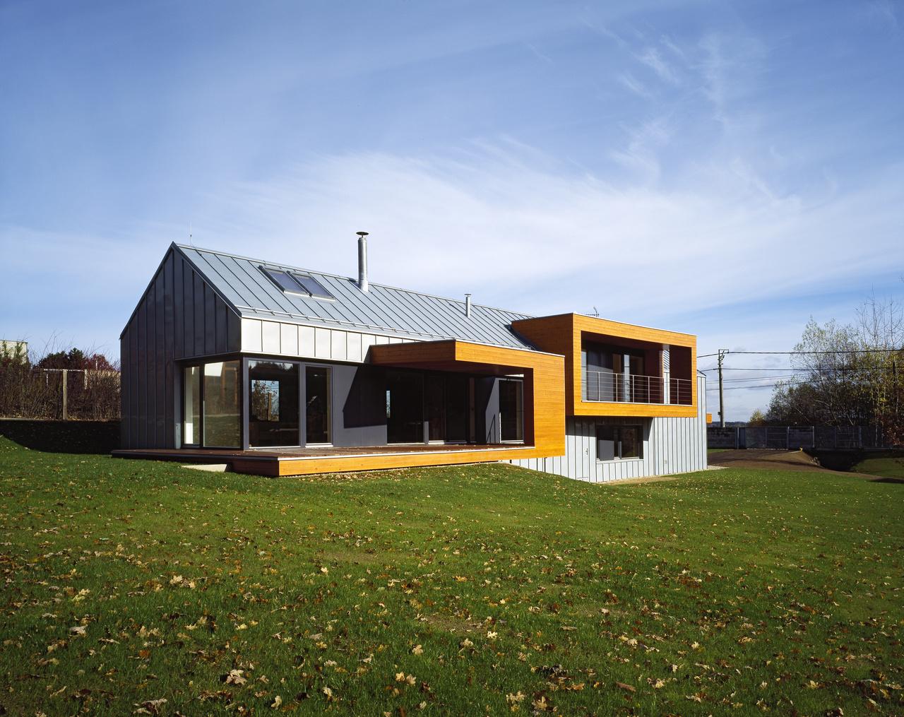 Minimalistický domček spojený s prírodou