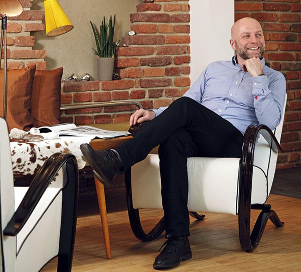 Ing. Jaroslav Kašpar Jičinská1617/31,  130 00 Praha 3, ČR + 420 (0) 777 030 103 kaspar@duoton.cz www.duoton.cz