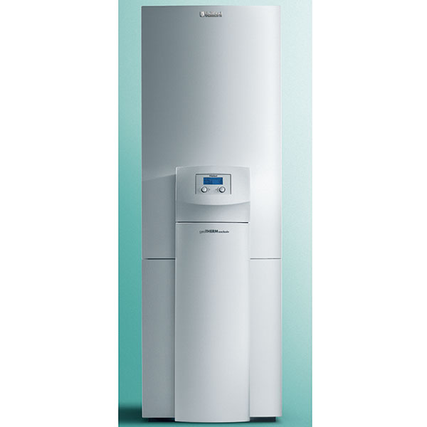 Tepelné čerpadlo zem/voda so zásobníkom a pasívnym chladením geoTHERM exclusiv VWS na vykurovanie, ohrev vody a chladenie, výkonové rady: 6, 8, 11 kW, integrovaný výmenník a 3-cestný zmiešavací ventil na pasívne chladenie, integrovaný 175 l antikorový zásobník na teplú vodu, elektronicky riadené obehové čerpadlo na vykurovanie, 3-cestný prepínací ventil na teplú vodu, prídavné elektrické kúrenie 6 kW, cena od 8 700 do 9 400 €, www.vaillant.sk
