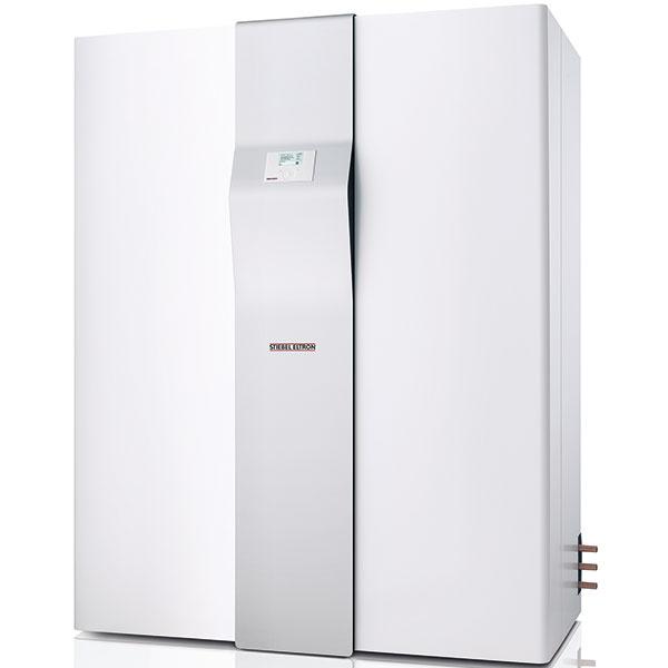 Multifunkčná jednotka 304/404 SOL na vykurovanie, vetranie, chladenie a prípravu teplej vody, krížový protiprúdový výmenník a tepelné čerpadlo vzduch/voda, dodatočné získavanie tepla z vonkajšieho vzduchu, spätné získavanie tepla 90 %, elektrické prídavné vykurovanie: 2,6, 5,6 a 8,8 kW, prídavný výmenník na solár vo vykurovacom okruhu, prietok vzduchu ventilácie 80 až 230 m3/h, zásobník teplej vody 235 l, cena od 12 565 €, www.stiebel-eltron.sk
