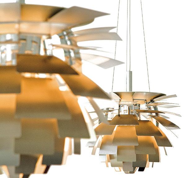 Lampa Artichoke je považovaná za majstrovské dielo dánskeho dizajnu 20. storočia, ktoré ani dnes nestráca nič zo svojej výnimočnej aury. Vyrába ju firma Louis Poulsen azohľadňujúc potreby súčasnosti, je adaptovaná na použitie so svetelnými LED zdrojmi.