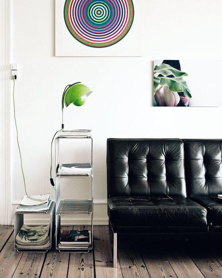 Moderný funkcionalizmus je čím ďalej populárnejší.Jeho prvky (ako napríklad sedačka Barcelona) dodajú obývačke viac mužnosti apánskej elegancie.